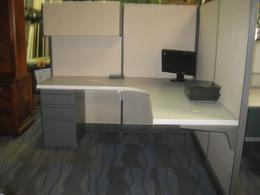 Used HM Versatile Inventory of Cubicles